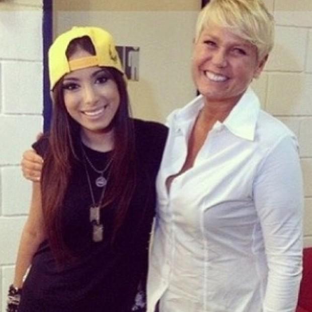 Anitta e Xuxa em bastidores de gravação no Rio (Foto: Instagram/ Reprodução)