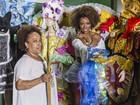 Ivi Pizzott visita escola de samba para conferir preparativos para o carnaval