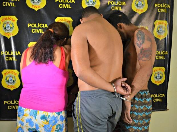 Trio foi preso na quarta-feira (11) em bairro de Rio Branco (Foto: Aline Nascimento/G1)