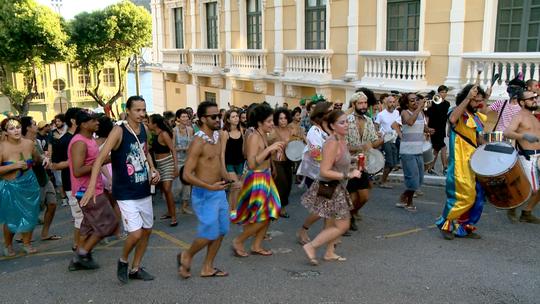 Carnaval de rua, movimento plus size e mais no 'EMME', 25