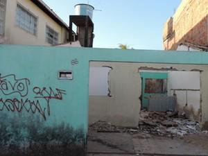 Casa desapropriada em Camaragibe. (Foto: Luna Markman/ G1)