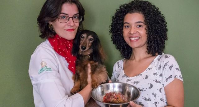 Sylvia Angélico, 33 anos, e Vanessa Fermino, 31 proprietárias da Cachorro Verde (Foto: Divulgação)