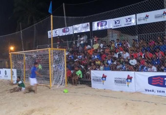 Futebol de areia disputado em Barreirinhas (MA) (Foto: Divulgação / FMBS)