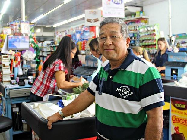 Xisto tem um mercadinho no bairro Vieiralves (Foto: Suelen Gonçalves/G1 AM)