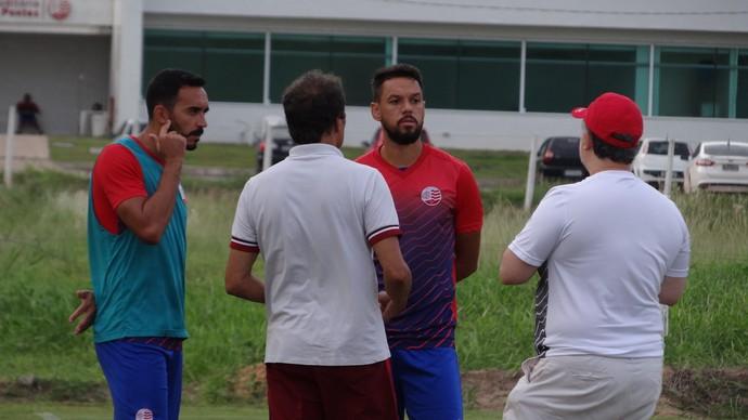 Tiago Alves Marco Antônio Náutico (Foto: Daniel Gomes)