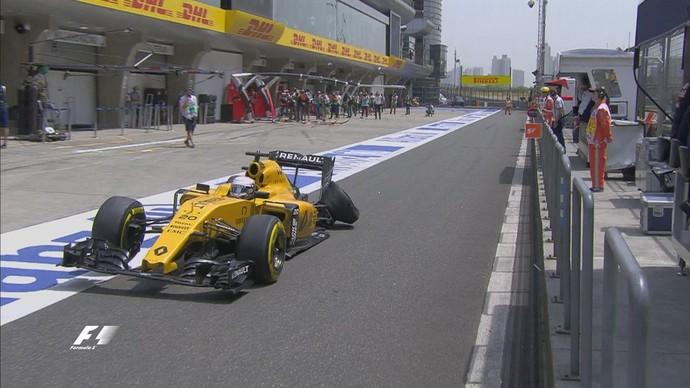 Kevin Magnussen também teve pneu furado em Xangai (Foto: Divulgação)