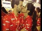 Antônia Morais beija muito o namorado na Sapucaí
