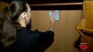 Aprenda a tirar cheiro de mofo dos armários