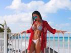 Fernanda D'ávila posa de biquíni e mostra silhueta irretocável