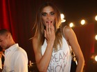 Tops se encontram nos bastidores do Risqué Dream Fashion Show 2013