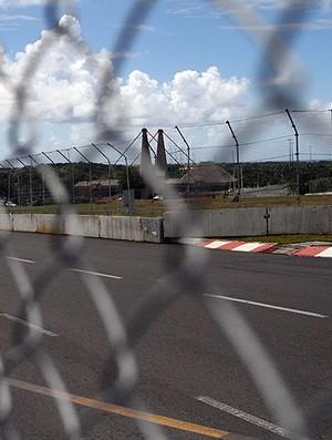 montagem do circuito do grande premio bahia de stock car (Foto: Divulgação)