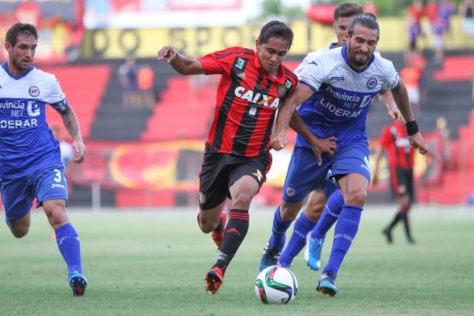 Sport x Argentinos Juniors (Foto: Aldo Carneiro (Pernambuco/Press))