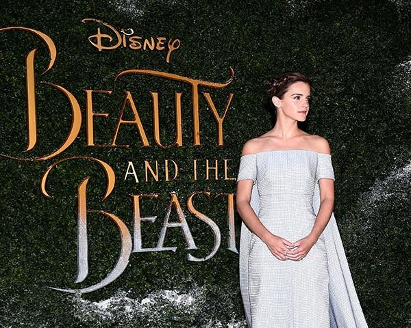 Emma Watson mostra a importância da moda sustentável na turnê promocional de A Bela e a Fera (Foto: Getty Images)