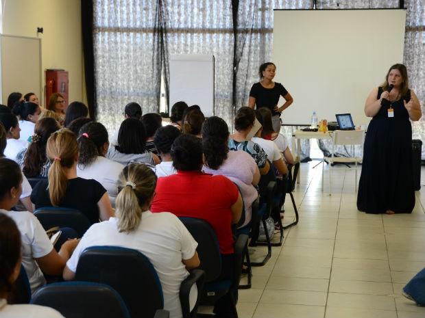 Centro de Referência em Educação (CRE) abrigou o primeiro encontro do programa (Foto: Assis Cavalcante)