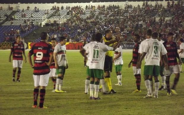 Campinense 1 x 1 Baraúnas (Foto: Silas Batista / Globoesporte.com/pb)