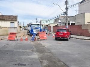 IMTT interdita meia pista da Saldanha Marinho em Campos (Foto: Superintendência de Comunicação)