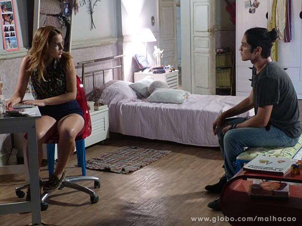 Antonio debocha de Anita por causa do fim do namoro com Ben (Foto: Malhação / TV Globo)