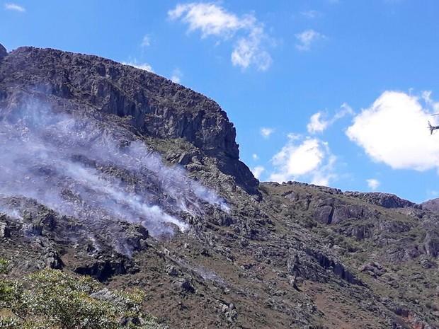Incêndio no Pico das Almas, em Rio de Contas, Bahia (Foto: Bombeiros Militares da Bahia/ Divulgação)