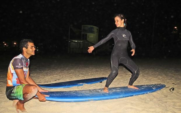 Derek Sara Bentes surfe (Foto: Divulgação)