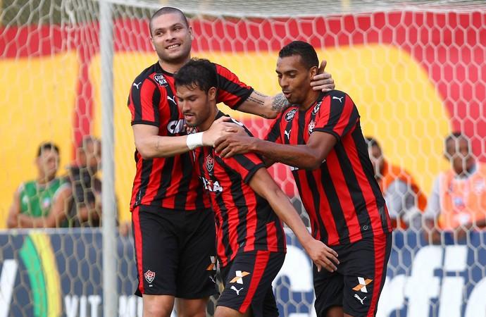 Pedro Ken gol Vitória x ABC (Foto: EDUARDO MARTINS - Agência Estado)