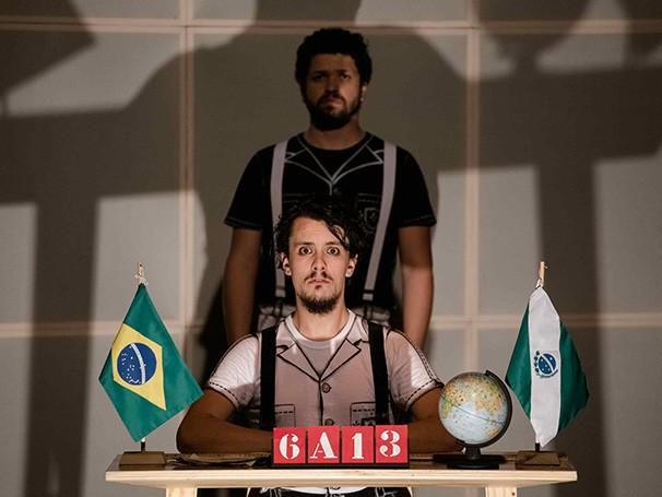 O espetáculo propõe uma nova montagem do texto do dramaturgo paulista Fernando Bonassi (Foto: Eli Firmeza)