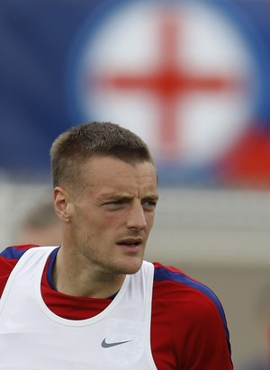 Vardy durante treino da Inglaterra (Foto: REUTERS/Lee Smith)