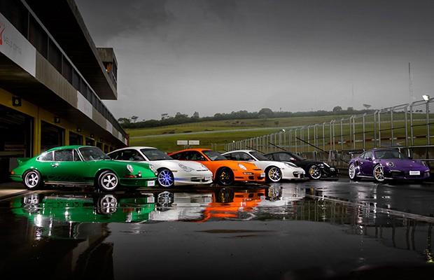 Porsche reuniu gerações do 911 RS/GT3 para saudar o 991 GT3 RS (Foto: Divulgação)