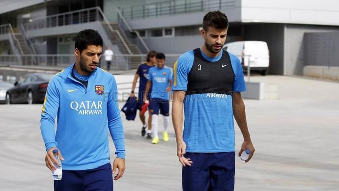 Piqué no treino do Barça (Foto: MIGUEL RUIZ /FCB)