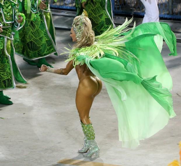 Juju Salimeni e seu bumbum-sensação do carnaval (Foto: Andre Freitas / AgNews)