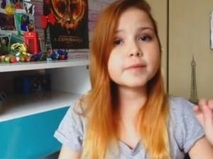 Lorena no vídeo em que falou sobre a doença (Foto: Reprodução/ TV TEM)