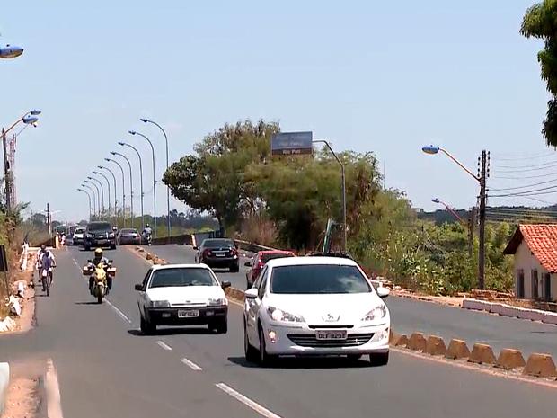 Ponte Wall Ferraz é interditada para obra de duplicação (Foto: Reprodução/TV Clube)