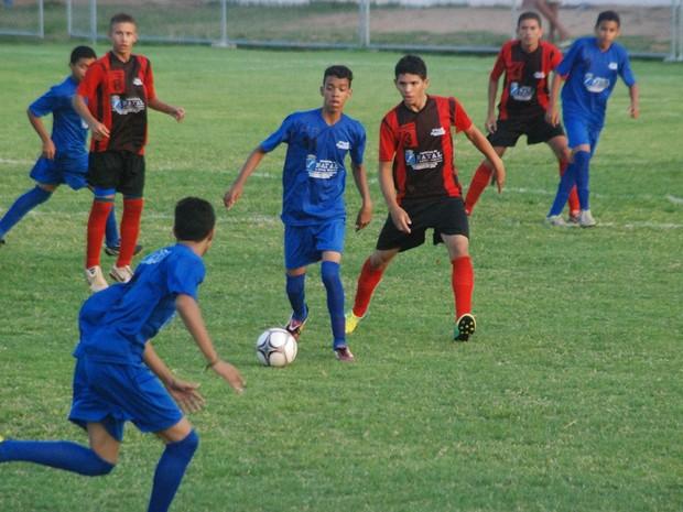 Campeonatos promovidos pela Prefeitura apostam no potencial dos jovens   união de caráter esportivo com formação ca57b75275e70