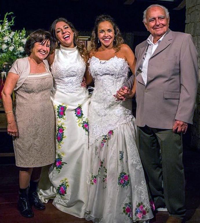 Daniela Mercury com a mãe Liliana Mercuri em seu casamento com Malu Verçosa (Foto: Arquivo Pessoal)