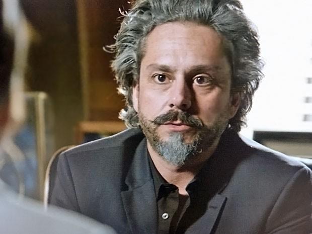 José Alfredo avisa que Cris terá cargo na diretoria (Foto: TV Globo)