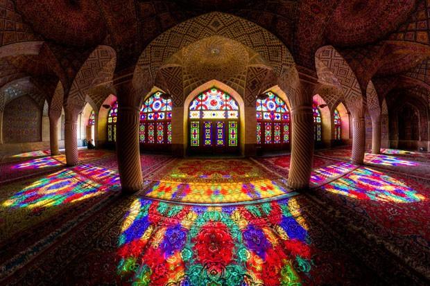 A mesquita de Nasir al Mulk, conhecida como 'mesquita cor-de-rosa', na cidade de Shiraz, no Irã (Foto: Mohammad Reza Domiri Ganji/Arquivo pessoal)