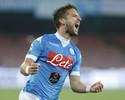 Mertens brilha, e Napoli mantém sonho com maior goleada do Italiano