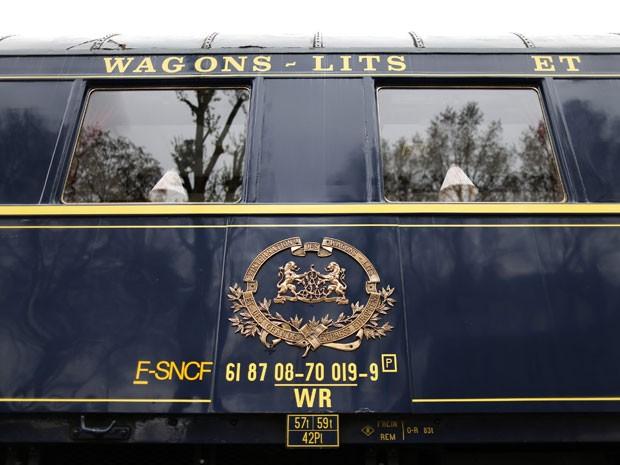 Vista de fora de um dos vagões do Orient Express (Foto: Charles Platiau/Reuters)