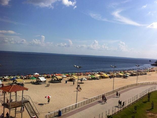 Praia da Ponta Negra lotou para último dia de Olimpíada em Manaus (Foto: Isis Capistrano/G1 AM)