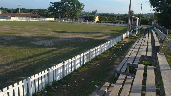 Estádio Municipal Nogueirão, palco das partidas do campeonato mojuiense (Foto: Weldon Luciano  - GloboEsporte.com)