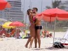 Veja os famosos que foram à praia no Rio nesta sexta-feira, 20