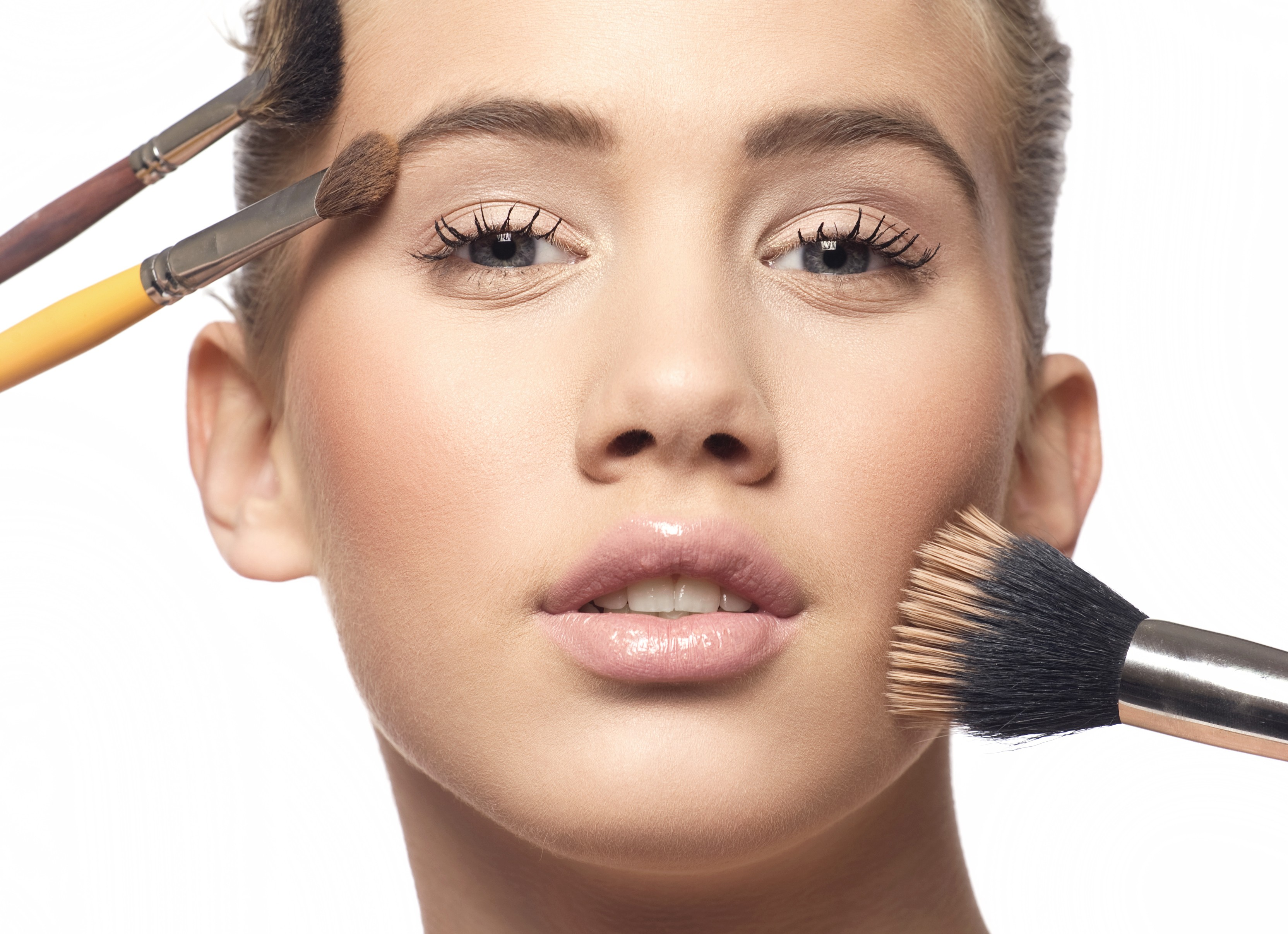 Sem erro! As dez lições de maquiagem que toda mulher deve saber