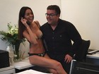 Joana Sanz, namorada de Daniel Alves, exibe boa forma de lingerie