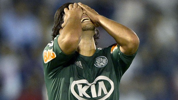 Valdivia lamenta derrota do Palmeiras para o Tigre (Foto: AFP)