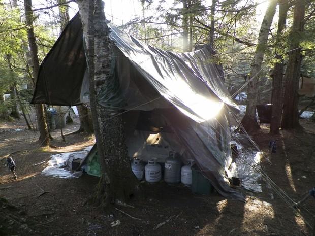 Christopher vivia em acampamento improvisado e alegou que não conversava com ninguém desde os anos 90 (Foto: Maine State Police/Reuters)