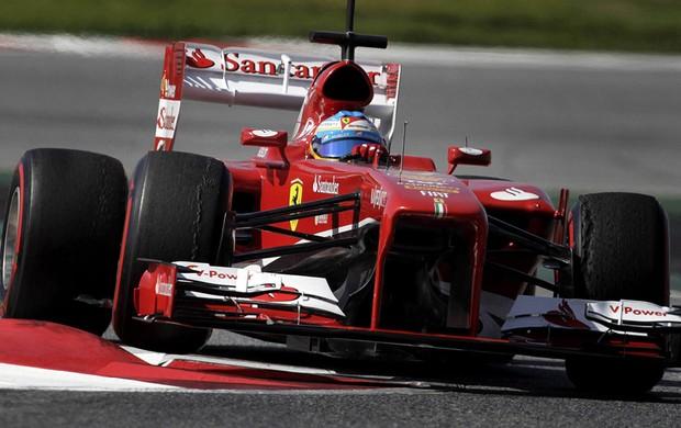 Fernando alonso Ferrari testes Barcelona (Foto: Agência EFE)