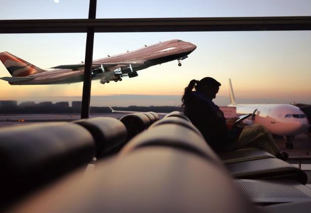 Hangar da companhia aérea American Airlines (Foto: Reprodução/YouTube)