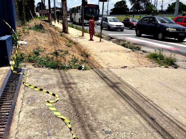 Crime ocorreu em via da Zona Norte de Manaus (Foto: Indiara Bessa/G1 AM)