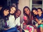 Bruna Marquezine posta foto nos bastidores de 'Salve Jorge'