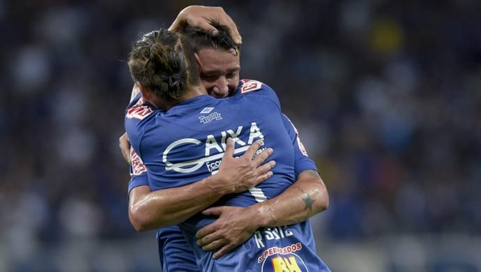 Rafael Sobis; Thiago Neves; Cruzeiro (Foto: Washington Alves)