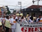 Funcionários da Santa Casa de Palmital protestam por salários